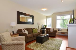 "Photo 2: 33 8655 159 Street in Surrey: Fleetwood Tynehead Townhouse for sale in ""Springfield Court"" : MLS®# R2273968"