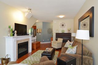 "Photo 3: 33 8655 159 Street in Surrey: Fleetwood Tynehead Townhouse for sale in ""Springfield Court"" : MLS®# R2273968"