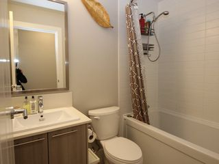 """Photo 10: 118 19433 68 Avenue in Surrey: Clayton Townhouse for sale in """"THE GROVE"""" (Cloverdale)  : MLS®# R2309717"""