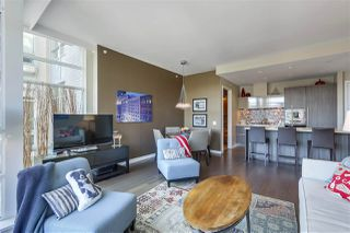 "Main Photo: 710 1616 COLUMBIA Street in Vancouver: False Creek Condo for sale in ""THE BRIDGE"" (Vancouver West)  : MLS®# R2316031"