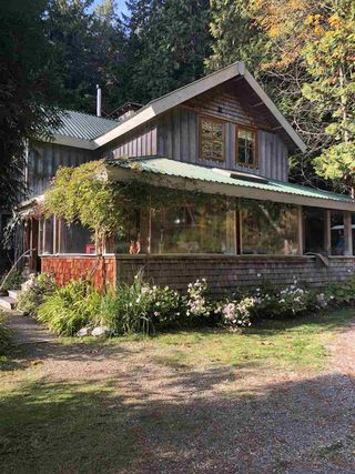 Main Photo: 879 AGNES Road: Roberts Creek House for sale (Sunshine Coast)  : MLS®# R2316687