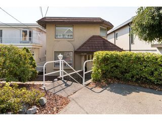 "Photo 3: 15124 BUENA VISTA Avenue: White Rock House for sale in ""Hillside"" (South Surrey White Rock)  : MLS®# R2316600"