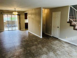 Photo 3: VISTA Townhome for sale : 3 bedrooms : 1424 Janis Lynn Ln