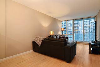 "Photo 5: 3203 9981 WHALLEY Boulevard in Surrey: Whalley Condo for sale in ""PARK PLACE II"" (North Surrey)  : MLS®# R2327645"