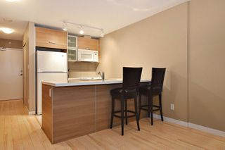 "Photo 3: 3203 9981 WHALLEY Boulevard in Surrey: Whalley Condo for sale in ""PARK PLACE II"" (North Surrey)  : MLS®# R2327645"