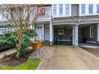 "Photo 2: 55 9036 208 Street in Langley: Walnut Grove Townhouse for sale in ""Hunter's Glen"" : MLS®# R2333602"