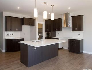 Photo 2: 162 Dagnone Lane in Saskatoon: Brighton Residential for sale : MLS®# SK763472