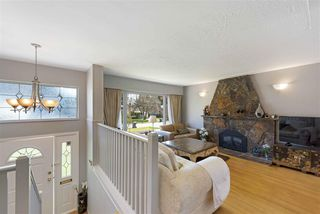 "Photo 7: 919 DUNDONALD Drive in Port Moody: Glenayre House for sale in ""Glenayre"" : MLS®# R2353817"