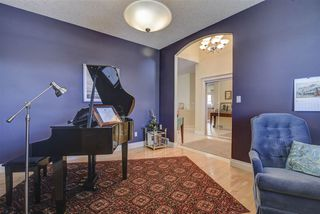 Photo 3: 213 TORY Crescent in Edmonton: Zone 14 House for sale : MLS®# E4150139