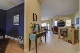 Photo 2: 213 TORY Crescent in Edmonton: Zone 14 House for sale : MLS®# E4150139