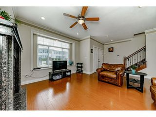 Photo 3: 7522 1ST Street in Burnaby: East Burnaby House 1/2 Duplex for sale (Burnaby East)  : MLS®# R2381527