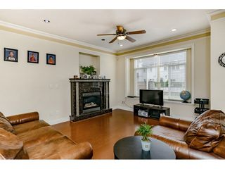 Photo 4: 7522 1ST Street in Burnaby: East Burnaby House 1/2 Duplex for sale (Burnaby East)  : MLS®# R2381527