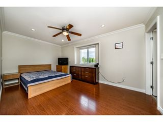 Photo 12: 7522 1ST Street in Burnaby: East Burnaby House 1/2 Duplex for sale (Burnaby East)  : MLS®# R2381527