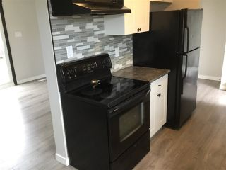 Photo 3:  in Edmonton: Zone 35 Townhouse for sale : MLS®# E4163757