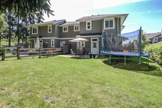 "Photo 2: 104 12161 237 Street in Maple Ridge: East Central Townhouse for sale in ""VILLAGE GREEN"" : MLS®# R2385054"