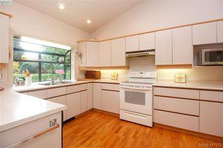 Photo 10: 3357 University Woods in VICTORIA: OB Henderson Single Family Detached for sale (Oak Bay)  : MLS®# 417275