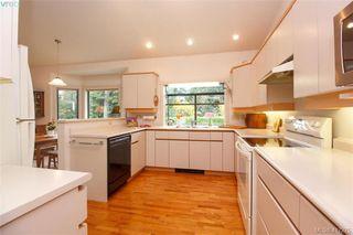 Photo 9: 3357 University Woods in VICTORIA: OB Henderson Single Family Detached for sale (Oak Bay)  : MLS®# 417275