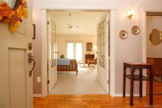 Photo 3: 3357 University Woods in VICTORIA: OB Henderson Single Family Detached for sale (Oak Bay)  : MLS®# 417275