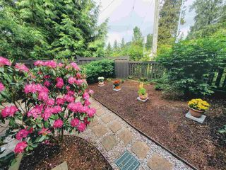 "Photo 17: 201 7000 21ST Avenue in Burnaby: Highgate Townhouse for sale in ""Villeta"" (Burnaby South)  : MLS®# R2457924"