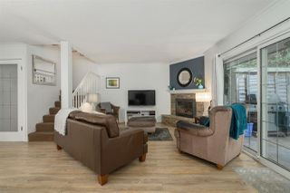 Photo 1: 2347 MOUNTAIN HIGHWAY in North Vancouver: Lynn Valley Townhouse for sale : MLS®# R2477963
