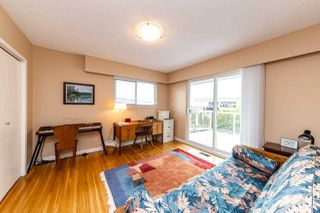 Photo 12: 1031 PARKER Street: White Rock House for sale (South Surrey White Rock)  : MLS®# R2488123