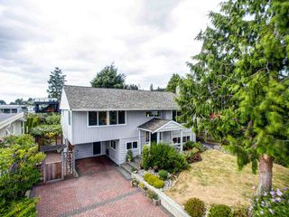Photo 13: 1031 PARKER Street: White Rock House for sale (South Surrey White Rock)  : MLS®# R2488123