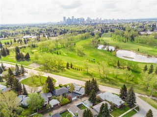 Photo 3: 1640 31 Avenue NW in Calgary: Collingwood Detached for sale : MLS®# A1037540