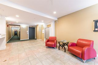 "Photo 2: 305 2755 MAPLE Street in Vancouver: Kitsilano Condo for sale in ""Davenport"" (Vancouver West)  : MLS®# R2508846"