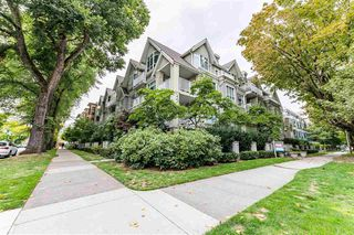 "Photo 3: 305 2755 MAPLE Street in Vancouver: Kitsilano Condo for sale in ""Davenport"" (Vancouver West)  : MLS®# R2508846"