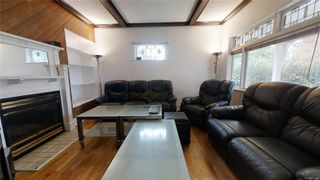 Photo 3: 1537 Bay St in : Vi Fernwood House for sale (Victoria)  : MLS®# 858464