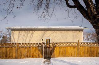 Photo 2: 105 Bret Bay in Winnipeg: North Kildonan Residential for sale (3F)  : MLS®# 202100284