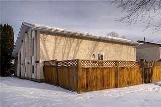 Photo 1: 105 Bret Bay in Winnipeg: North Kildonan Residential for sale (3F)  : MLS®# 202100284