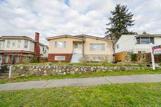 Main Photo: 1725 E 60TH Avenue in Vancouver: Fraserview VE House for sale (Vancouver East)  : MLS®# R2529147