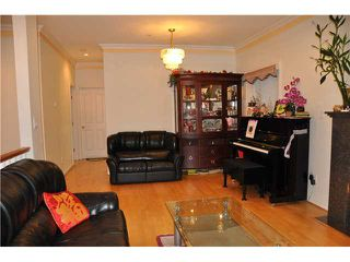 Photo 3: 2537 PANDORA Street in Vancouver: Hastings East House for sale (Vancouver East)  : MLS®# V916730