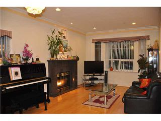 Photo 2: 2537 PANDORA Street in Vancouver: Hastings East House for sale (Vancouver East)  : MLS®# V916730