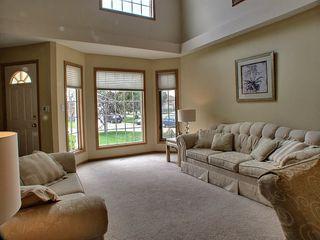 Photo 3: 10 Sandown Point in Winnipeg: Fort Garry / Whyte Ridge / St Norbert Residential for sale (South Winnipeg)  : MLS®# 1316625