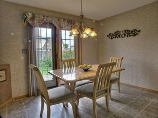 Photo 8: 10 Sandown Point in Winnipeg: Fort Garry / Whyte Ridge / St Norbert Residential for sale (South Winnipeg)  : MLS®# 1316625