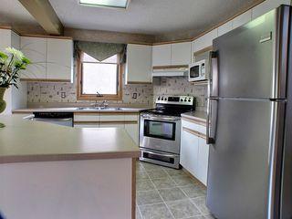 Photo 5: 10 Sandown Point in Winnipeg: Fort Garry / Whyte Ridge / St Norbert Residential for sale (South Winnipeg)  : MLS®# 1316625