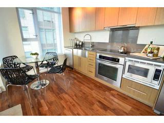 "Photo 4: # 710 251 E 7TH AV in Vancouver: Mount Pleasant VE Condo for sale in ""DISTRICT"" (Vancouver East)  : MLS®# V1037906"