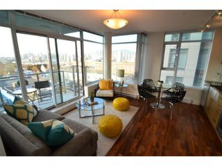 "Photo 3: # 710 251 E 7TH AV in Vancouver: Mount Pleasant VE Condo for sale in ""DISTRICT"" (Vancouver East)  : MLS®# V1037906"