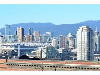 "Photo 1: # 710 251 E 7TH AV in Vancouver: Mount Pleasant VE Condo for sale in ""DISTRICT"" (Vancouver East)  : MLS®# V1037906"
