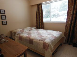 """Photo 8: 1722 APPIN Road in North Vancouver: Westlynn House for sale in """"Westlynn"""" : MLS®# V1049386"""