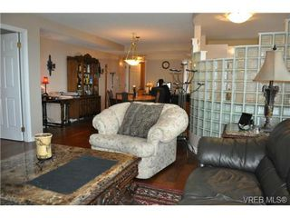Photo 6: 302 1015 Pandora Ave in VICTORIA: Vi Downtown Condo for sale (Victoria)  : MLS®# 663482