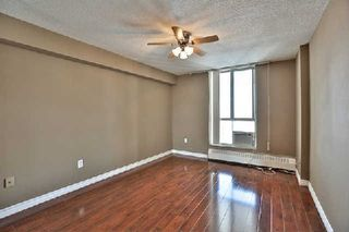 Photo 8: 13 35 Ormskirk Avenue in Toronto: High Park-Swansea Condo for sale (Toronto W01)  : MLS®# W2871950