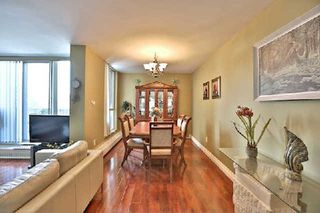 Photo 4: 13 35 Ormskirk Avenue in Toronto: High Park-Swansea Condo for sale (Toronto W01)  : MLS®# W2871950