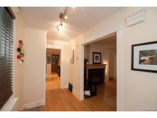 Photo 2: 111 Borebank Street in WINNIPEG: River Heights / Tuxedo / Linden Woods Residential for sale (South Winnipeg)  : MLS®# 1424449