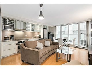 "Photo 1: 615 168 POWELL Street in Vancouver: Downtown VE Condo for sale in ""SMART"" (Vancouver East)  : MLS®# V1101030"