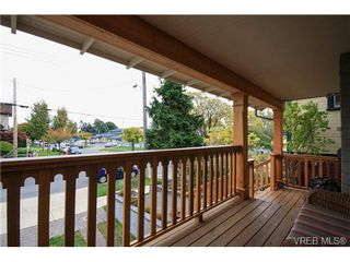 Photo 2: 450 Moss Street in VICTORIA: Vi Fairfield West Single Family Detached for sale (Victoria)  : MLS®# 346428