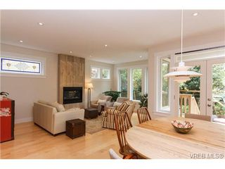 Photo 8: 450 Moss Street in VICTORIA: Vi Fairfield West Single Family Detached for sale (Victoria)  : MLS®# 346428