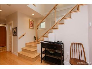 Photo 3: 450 Moss Street in VICTORIA: Vi Fairfield West Single Family Detached for sale (Victoria)  : MLS®# 346428